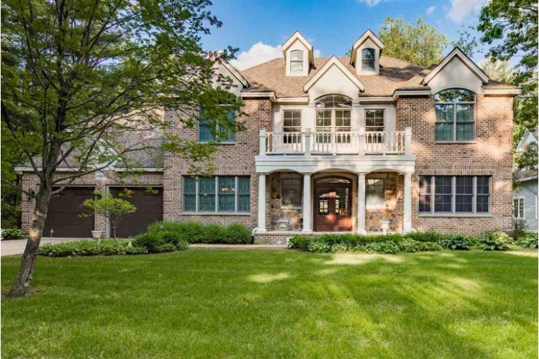 N2878 Rainbow Drive, Waupaca, WI by RE/MAX Lyons Real Estate $1,675,000