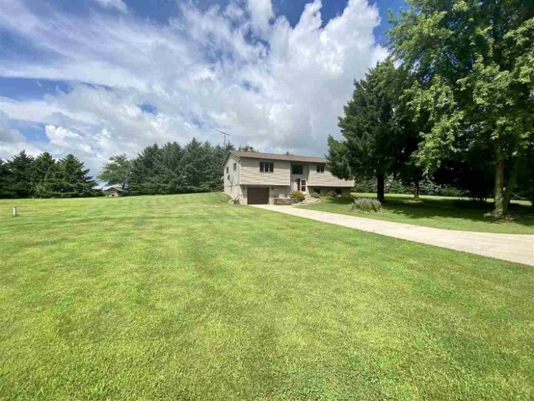 W621 Badger Road, Lomira, WI by RE/MAX Heritage $272,900