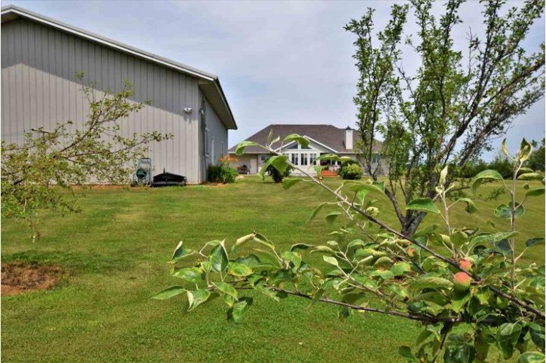 267 Nathan Drive, De Pere, WI by Coldwell Banker Real Estate Group $399,900