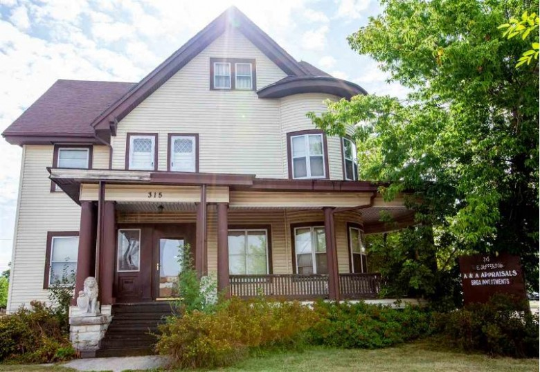 315 S Jefferson Street, Green Bay, WI by Keller Williams Green Bay $149,900
