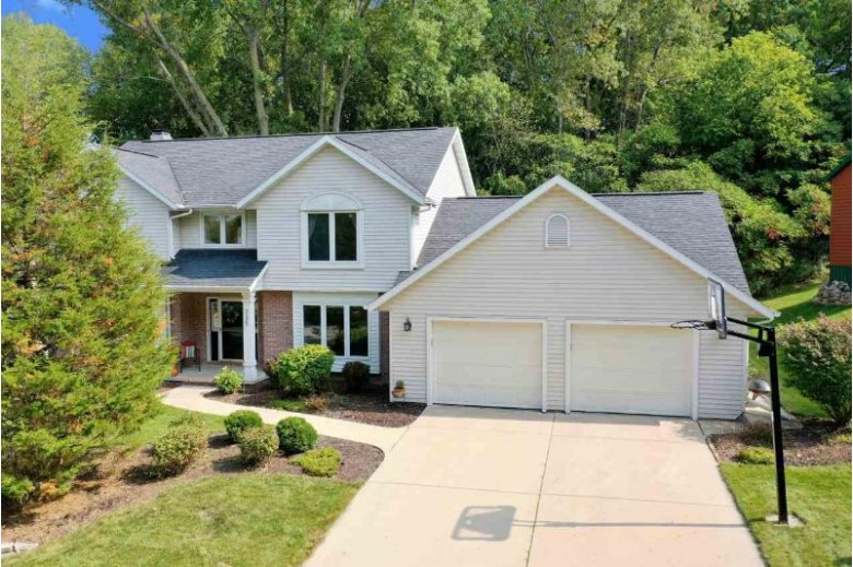 235 Windward Road, Green Bay, WI by Dallaire Realty $309,900