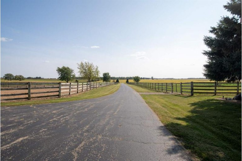 5406 9th Street Road, Omro, WI by First Weber Real Estate $750,000
