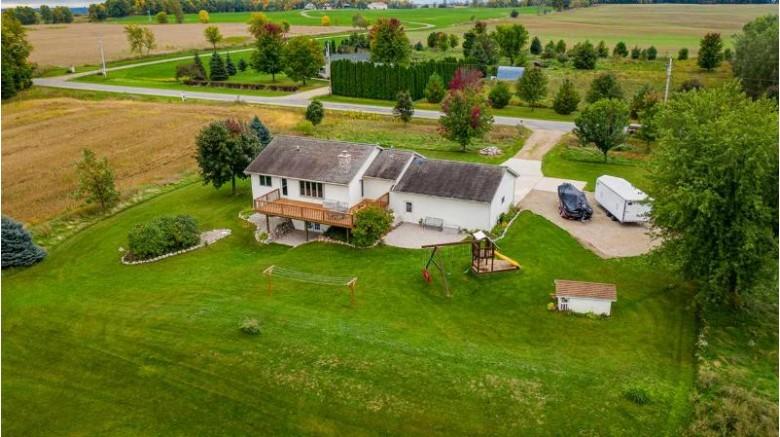 8428 Oak Hill Road, Omro, WI by Beiser Realty, LLC $269,900