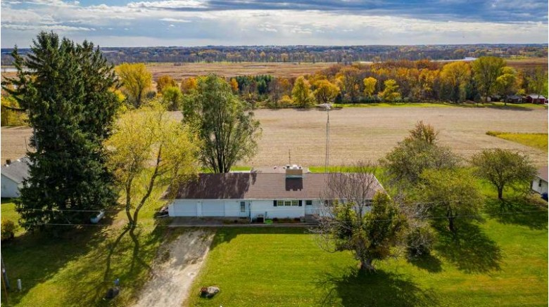 8479 Edgewater Ridge Road, Omro, WI by Beiser Realty, LLC $229,900