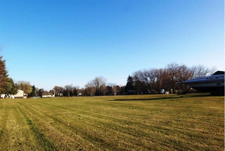Sunset Beach Road, Suamico, WI by Resource One Realty, LLC $1,100,000