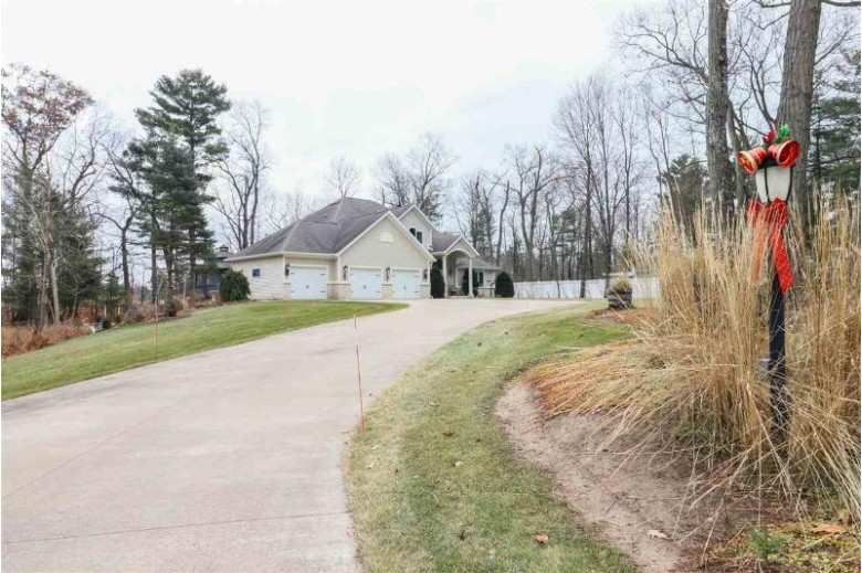 N2974 Otter Drive, Waupaca, WI by United Country-Udoni & Salan Realty $650,000