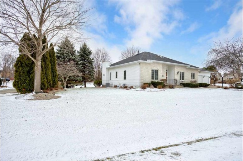 W2553 Ridgebrook Court, Appleton, WI by Century 21 Ace Realty $359,900