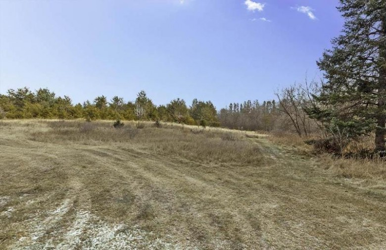 N9724 Silver Creek Road, Crivitz, WI by Assist 2 Sell Buyers & Sellers Realty, LLC $189,900
