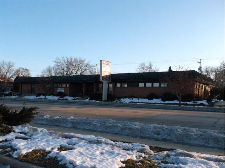 1416 S Commercial Street, Neenah, WI by First Weber Real Estate $425,000