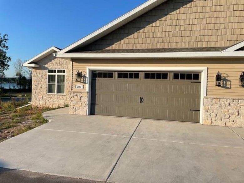 608 Olde River Court, Green Bay, WI by Keller Williams Green Bay $394,900