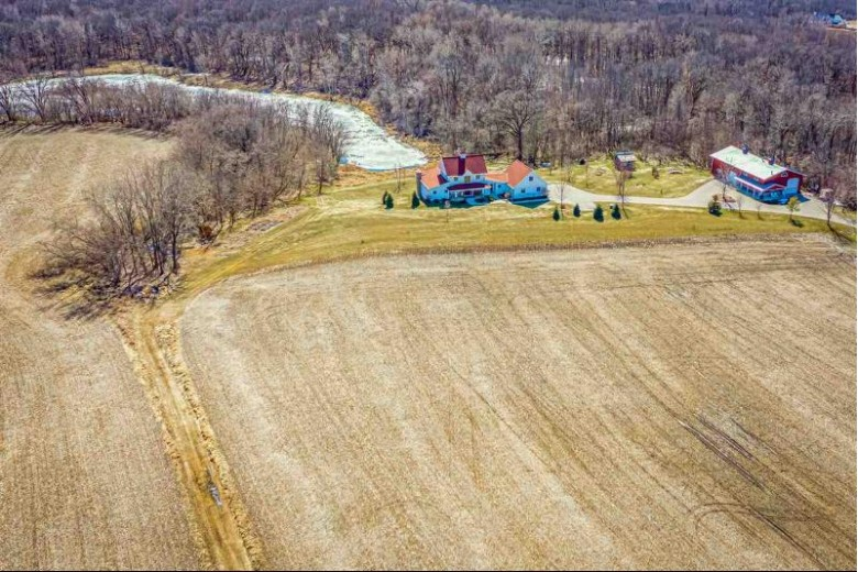 W4642 Mill Road, Fond Du Lac, WI by First Weber Real Estate $1,300,000