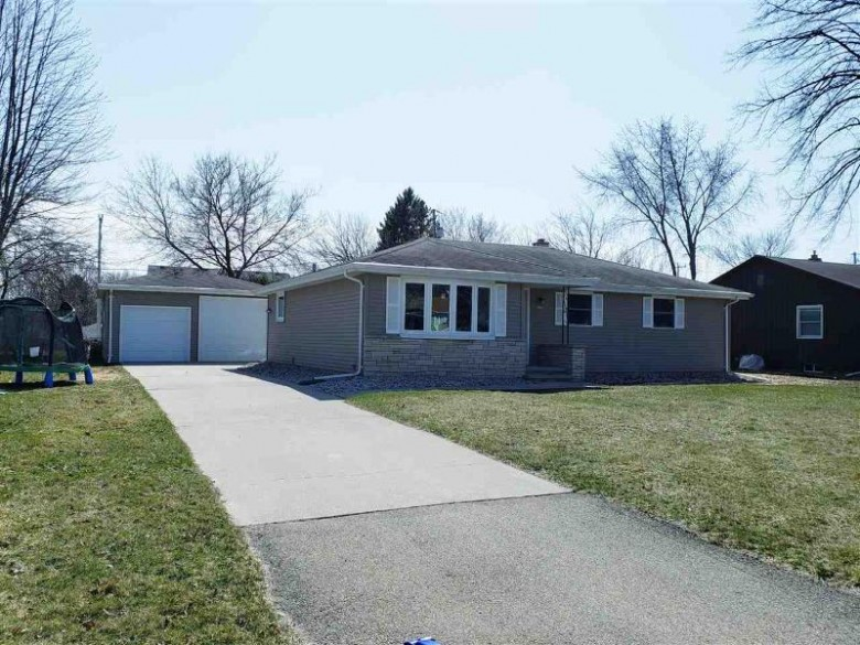 1042 Shannon Street Neenah, WI 54956-3638 by Design Realty $219,900