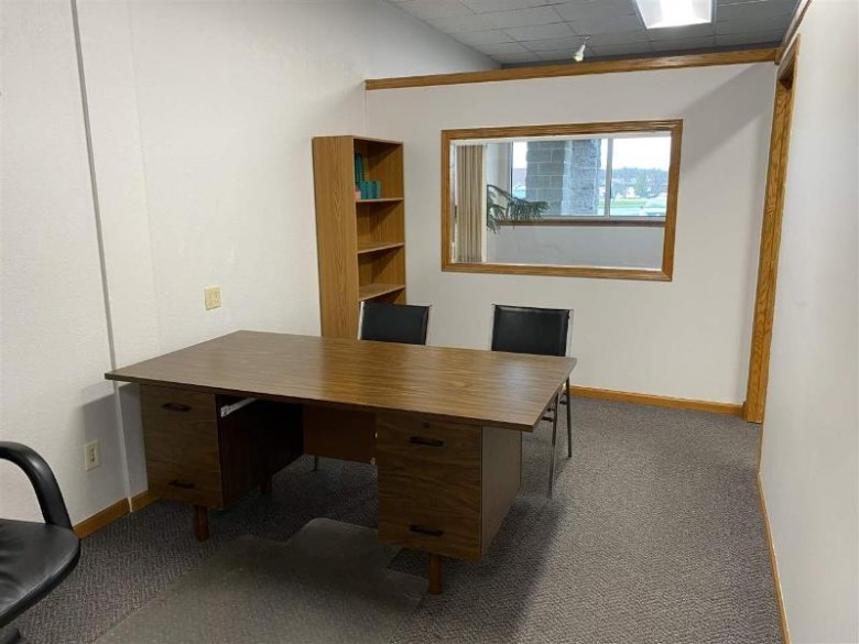 30 W Pioneer Road, Fond Du Lac, WI by First Weber Real Estate $95,000
