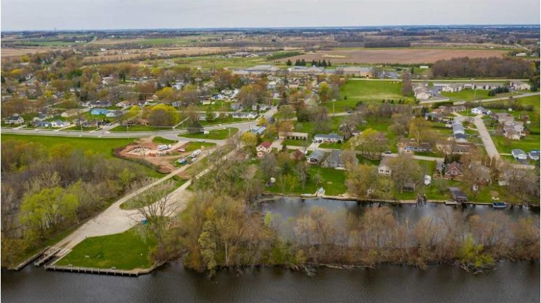 520 E River Drive Omro, WI 54963 by Beiser Realty, LLC $359,900