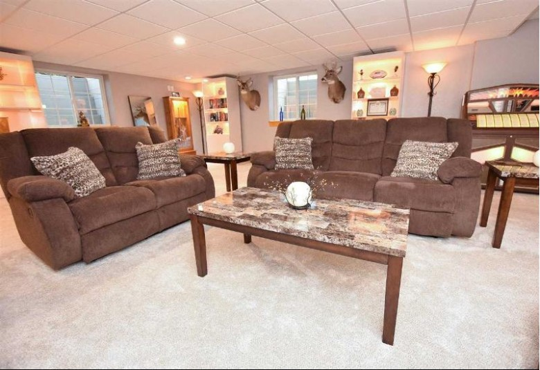3017 Holly Court, Oshkosh, WI by RE/MAX On The Water $375,000
