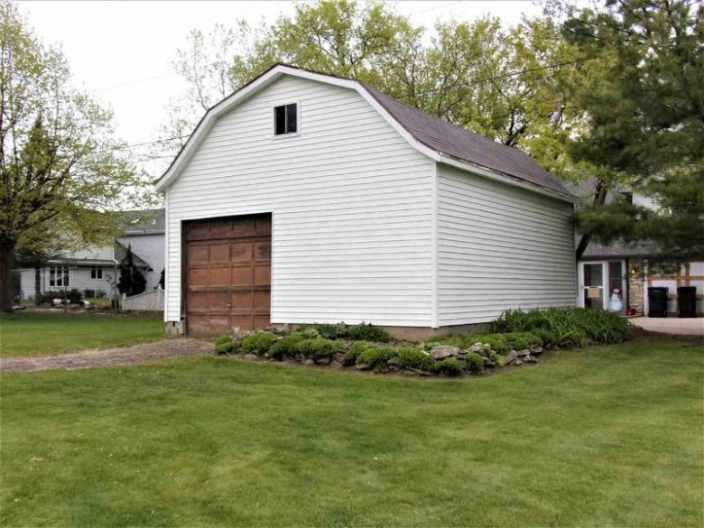 2443 N Lynndale Drive Appleton, WI 54914 by First Weber Real Estate $239,900