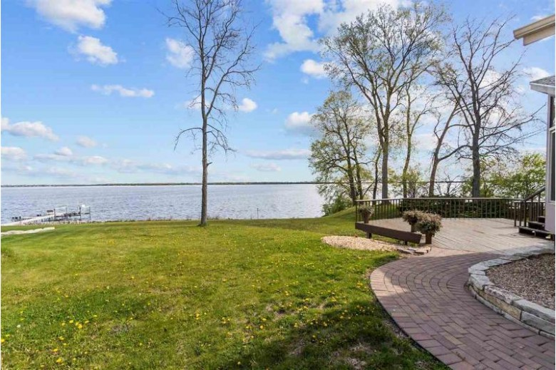 3780 Leonard Point Road Oshkosh, WI 54904 by Coldwell Banker Real Estate Group $950,000