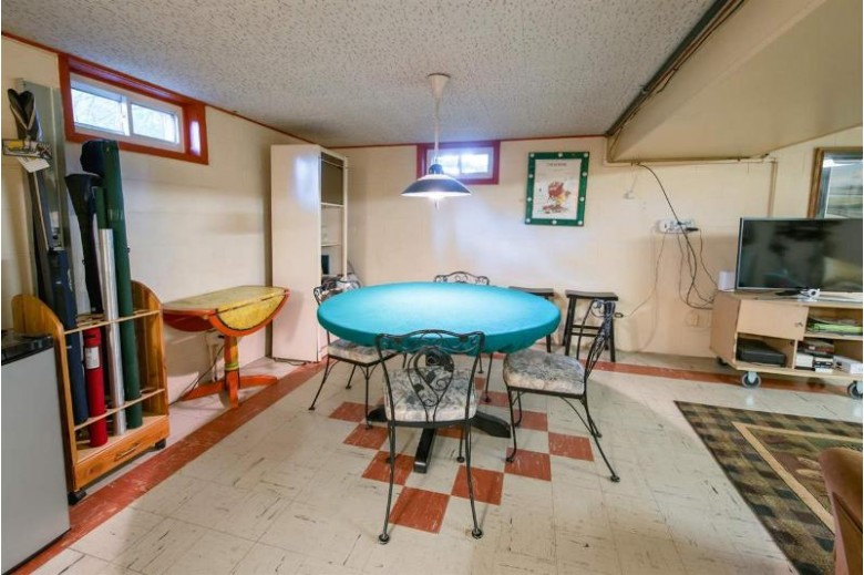 121 Guenther Street Oshkosh, WI 54902-5743 by First Weber Real Estate $345,000