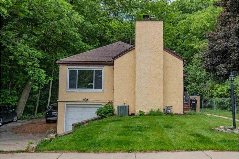 1701 S Ravinia Place Appleton, WI 54915 by First Weber Real Estate $189,509