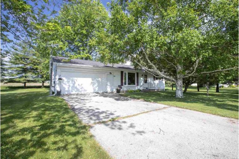 N967 Mayflower Drive Appleton, WI 54913-9630 by Century 21 Affiliated $144,900