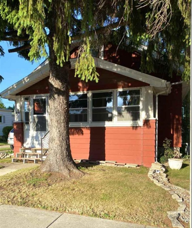 441 N Hickory Street, Fond Du Lac, WI by Acre Realty, Ltd. $110,000