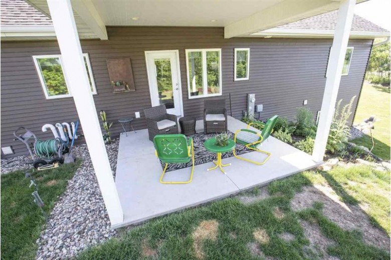 N1687 Twin Oak Court Hortonville, WI 54944 by Century 21 Affiliated $489,000
