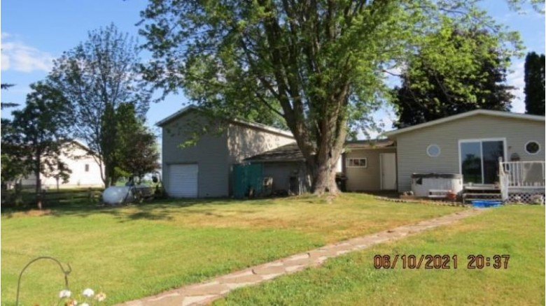 W333 Hwy D, Berlin, WI by First Weber Real Estate $169,500