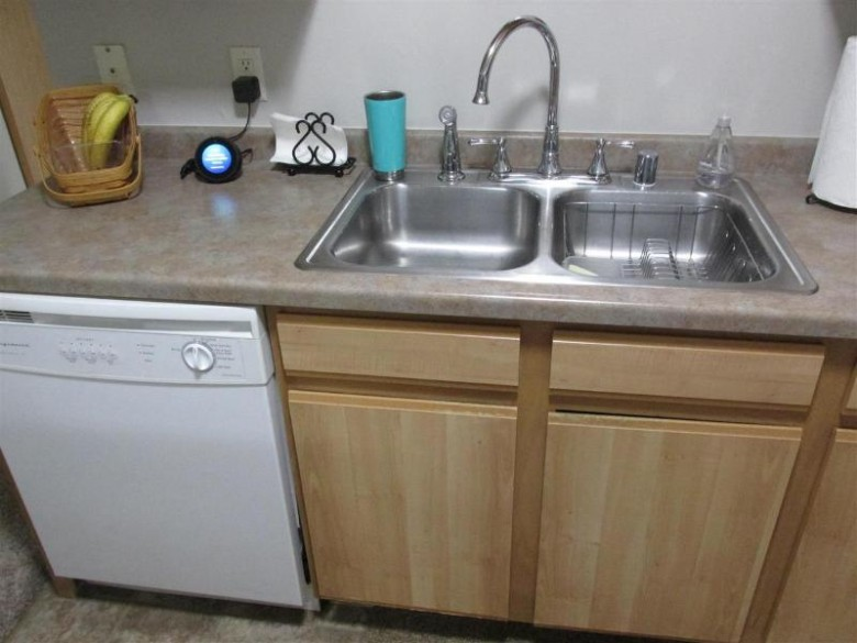 3321 N Casaloma Drive 61, Appleton, WI by First Weber Real Estate $149,500