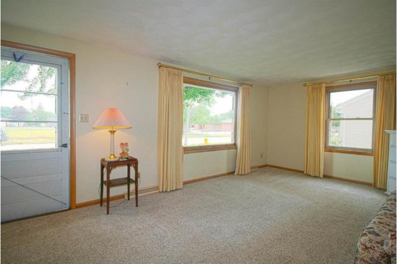 129 Claire Avenue Neenah, WI 54956-2207 by First Weber Real Estate $129,900