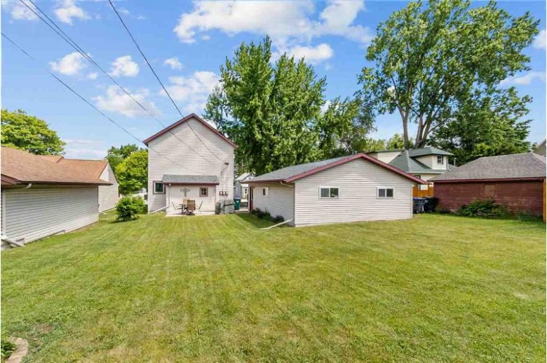 414 W Cook Street, New London, WI by Berkshire Hathaway HS Fox Cities Realty $150,000