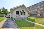 829 S 25th Street, Manitowoc, WI by Ben Bartolazzi Real Estate, Inc $69,900