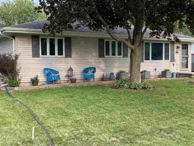 316 Mckinley Avenue, Omro, WI by First Weber Real Estate $164,900