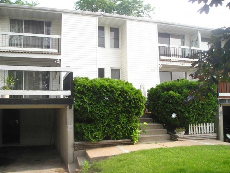 1420 W 2nd Avenue, Oshkosh, WI by First Weber Real Estate $270,000