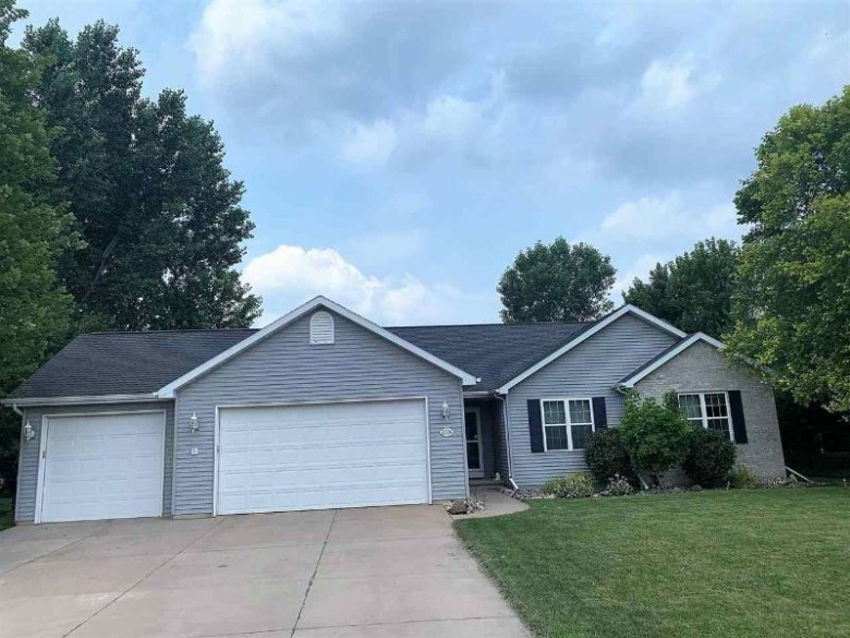 2226 Willow Hill Drive Neenah, WI 54956 by First Weber Real Estate $289,900