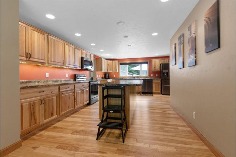 N6170 Hwy 45 New London, WI 54961-0000 by First Weber Real Estate $499,900