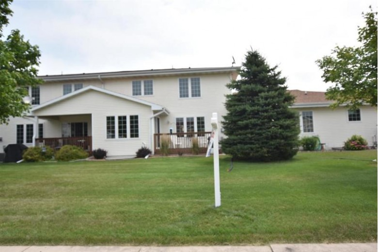 3200 White Tail Lane E Oshkosh, WI 54904 by RE/MAX On The Water $224,500