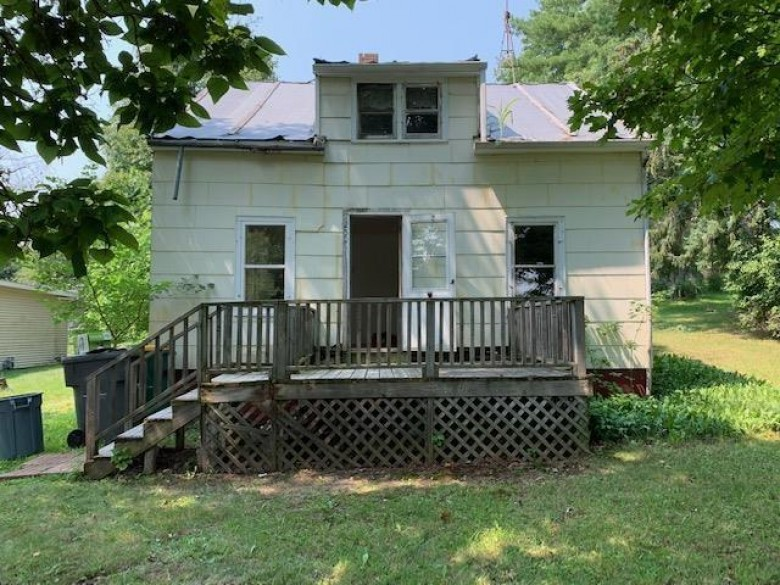 250 S Grove Street, Iola, WI by RE/MAX Lyons Real Estate $44,900