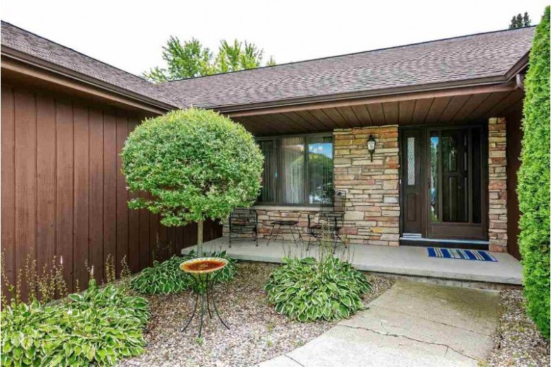 4715 W Periwinkle Court, Appleton, WI by Acre Realty, Ltd. $282,500