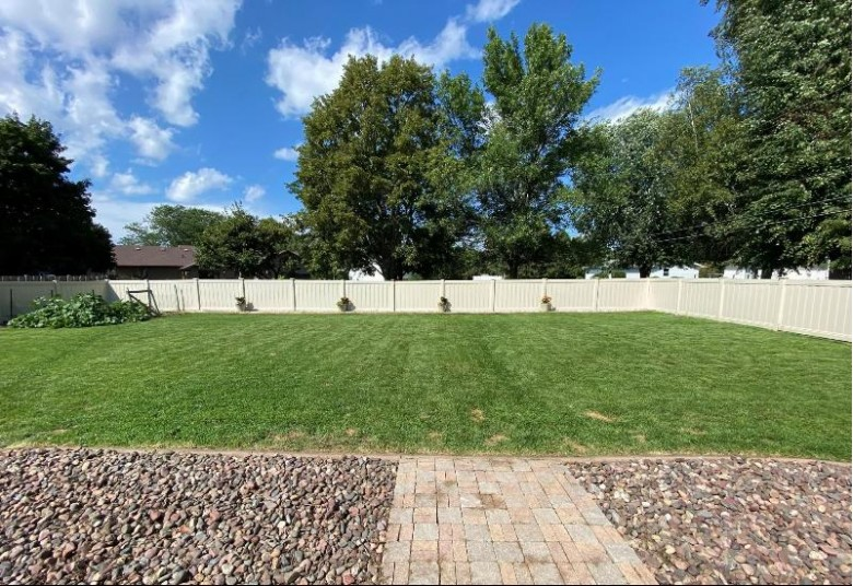 3100 Honey Creek Court Oshkosh, WI 54904-9394 by First Weber Real Estate $275,000