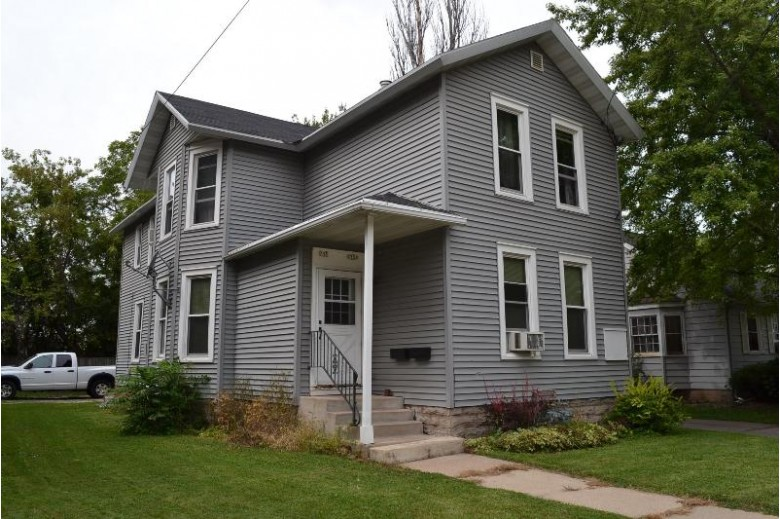 735 Jackson Street, Oshkosh, WI by RE/MAX On The Water $139,900