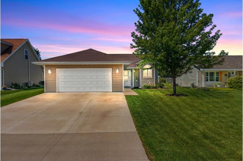 2623 Grassy Lane Neenah, WI 54956 by First Weber Real Estate $249,900