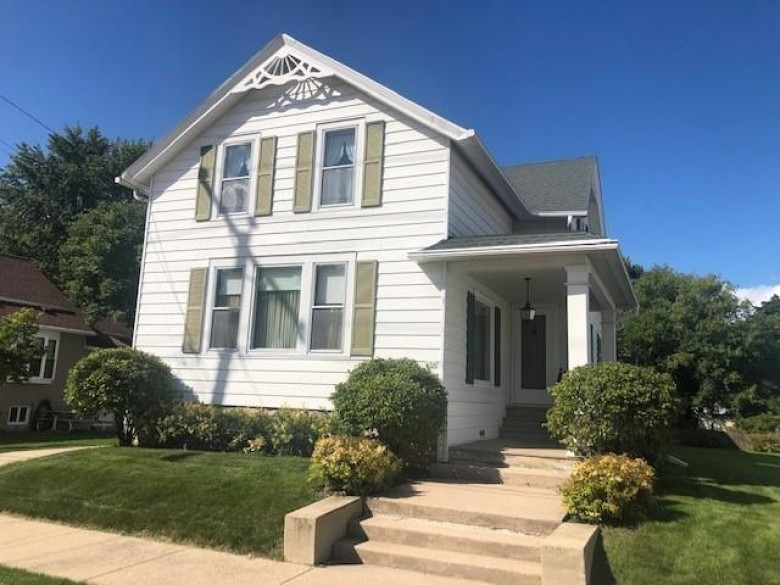 636 W 10th Avenue Oshkosh, WI 54902-6302 by First Weber Real Estate $129,900