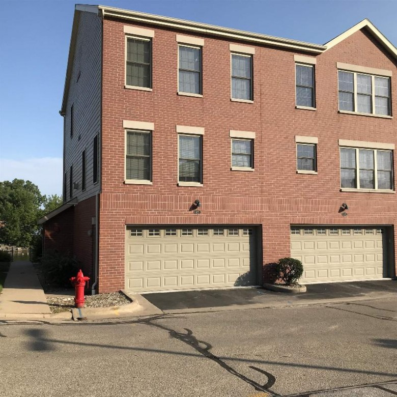 171 Marina Place Menasha, WI 54952 by First Weber Real Estate $240,000
