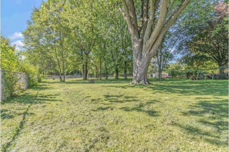 1107 Harney Avenue Oshkosh, WI 54901-5436 by First Weber Real Estate $90,000
