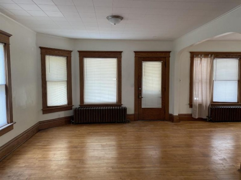 252 E Noyes Street, Berlin, WI by Exit Elite Realty $125,000