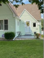 814 W Bell Avenue Appleton, WI 54914 by Coldwell Banker Real Estate Group $167,900