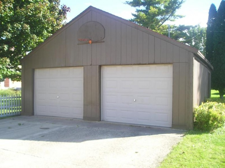 456 W 10th Avenue Oshkosh, WI 54902-6406 by First Weber Real Estate $114,900