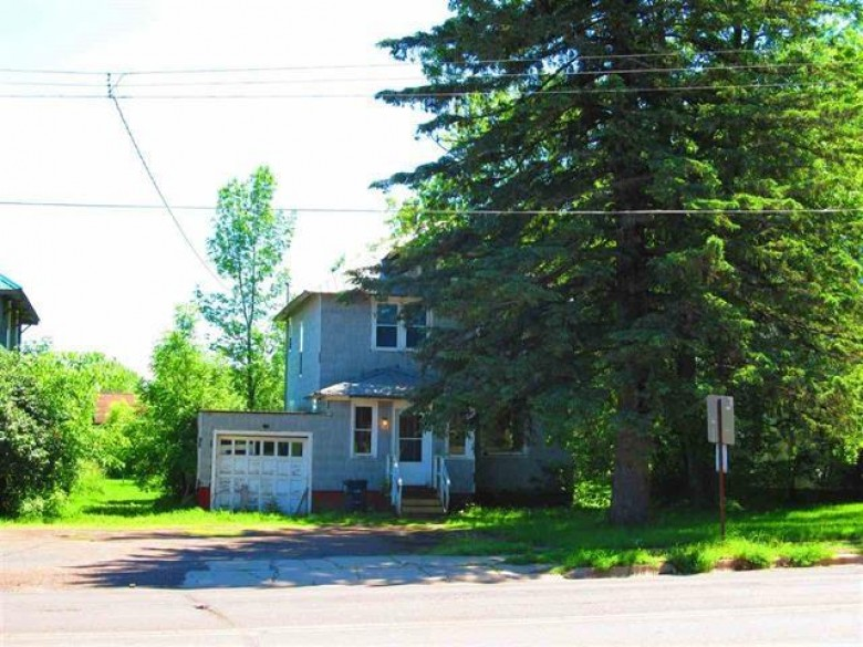 500 504 508 410 N Lake St 25, 26, 27, 28, Ironwood, MI by The Real Estate Store $135,000