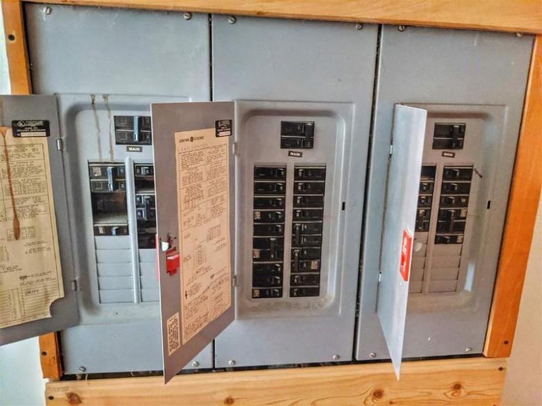 W7800 Us2, Iron Mountain, MI by Harris State Wide $400,000
