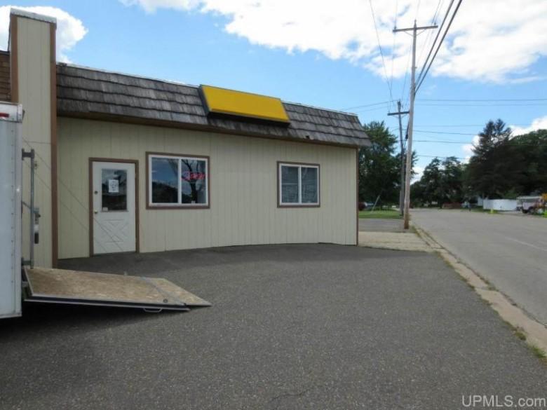 1200 Carpenter Ave, Iron Mountain, MI by Stephens Real Estate $299,000